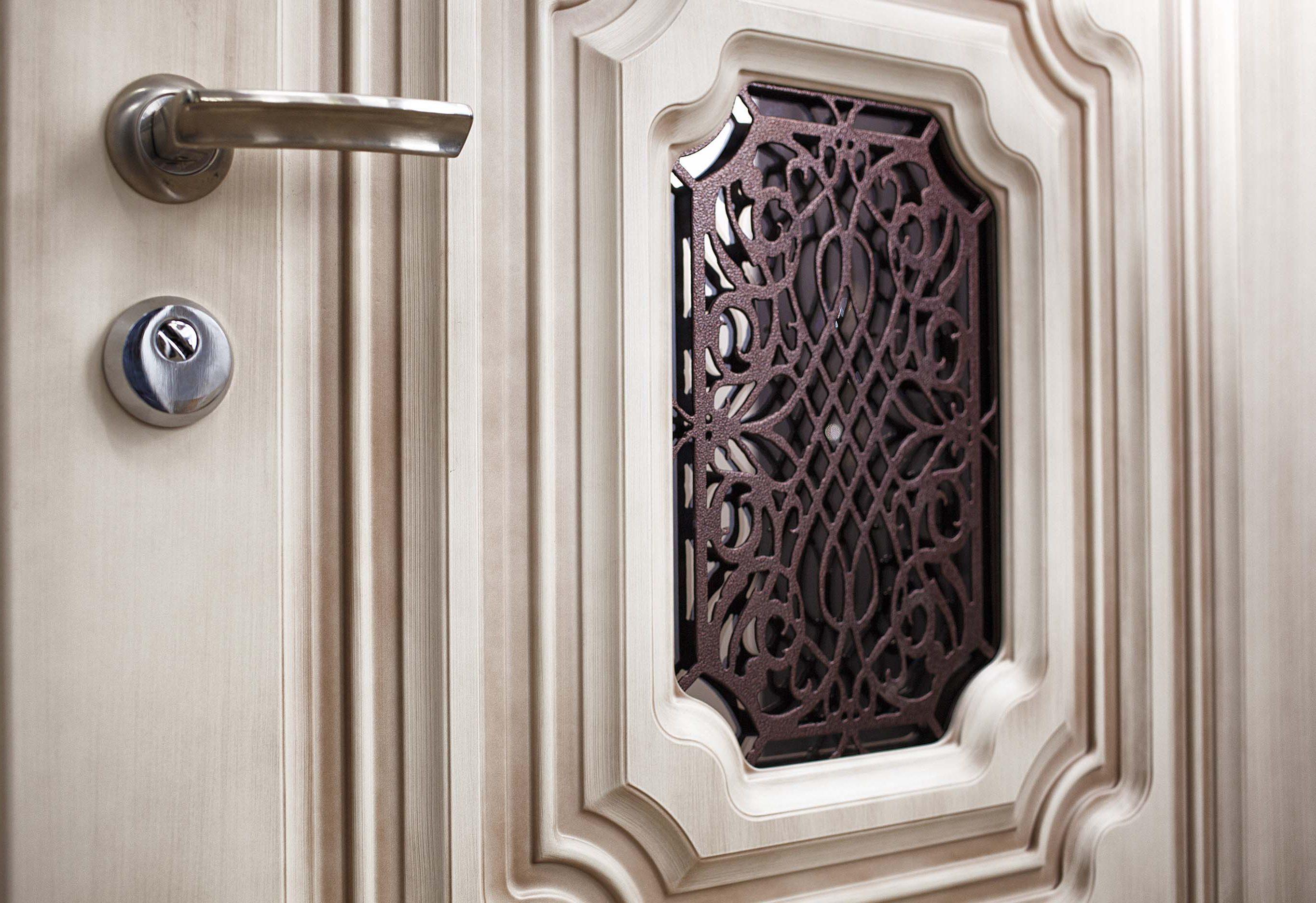 входные двери в Севастополе